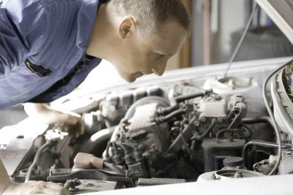 Auto met kapotte motor verkopen